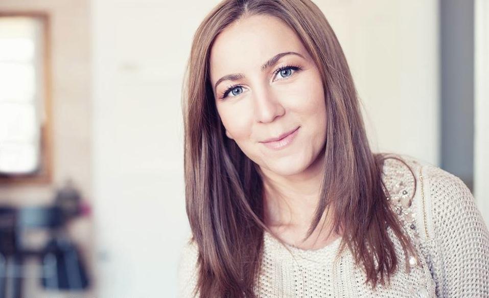 Designerul Lavinia Dîrgău bate palma cu industria