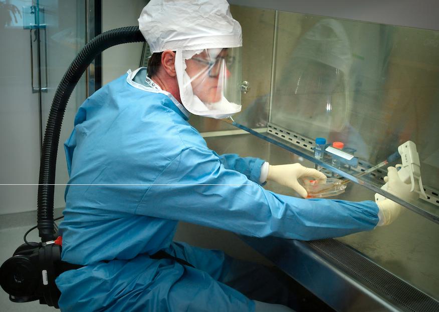 Fabricile românești ar putea confecționa măști și echipamente de protecție, însă nu au materie primă