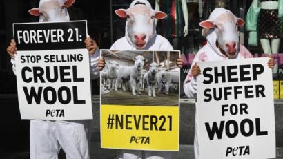 PETA devine acționar la Ralph Lauren