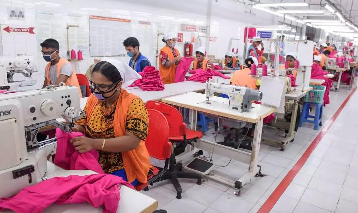 Primark va plăti salariile muncitorilor din fabricile de confecții