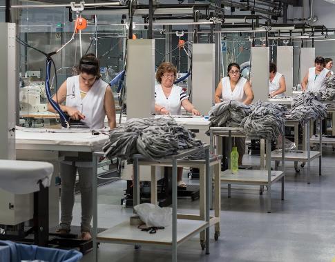 Industria ușoară portugheză raportează scăderi de două cifre
