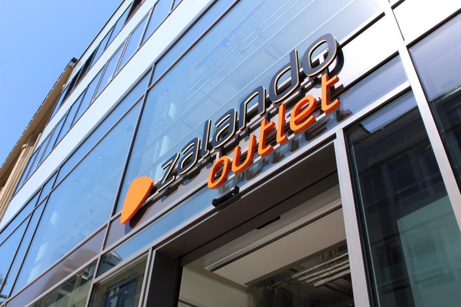 Zalando deschide un nou outlet în Germania și estimează creșteri de două cifre ale vânzărilor pentru 2020