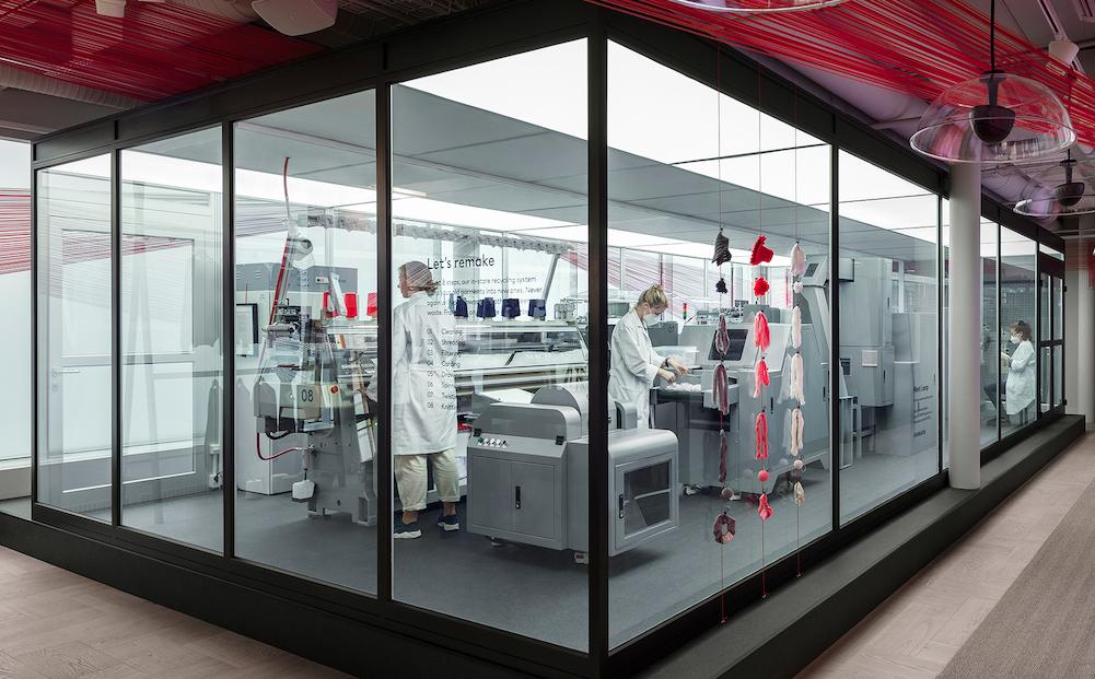 H&M lansează tehnologia Looop, prin care hainele nedorite se transformă în unele noi