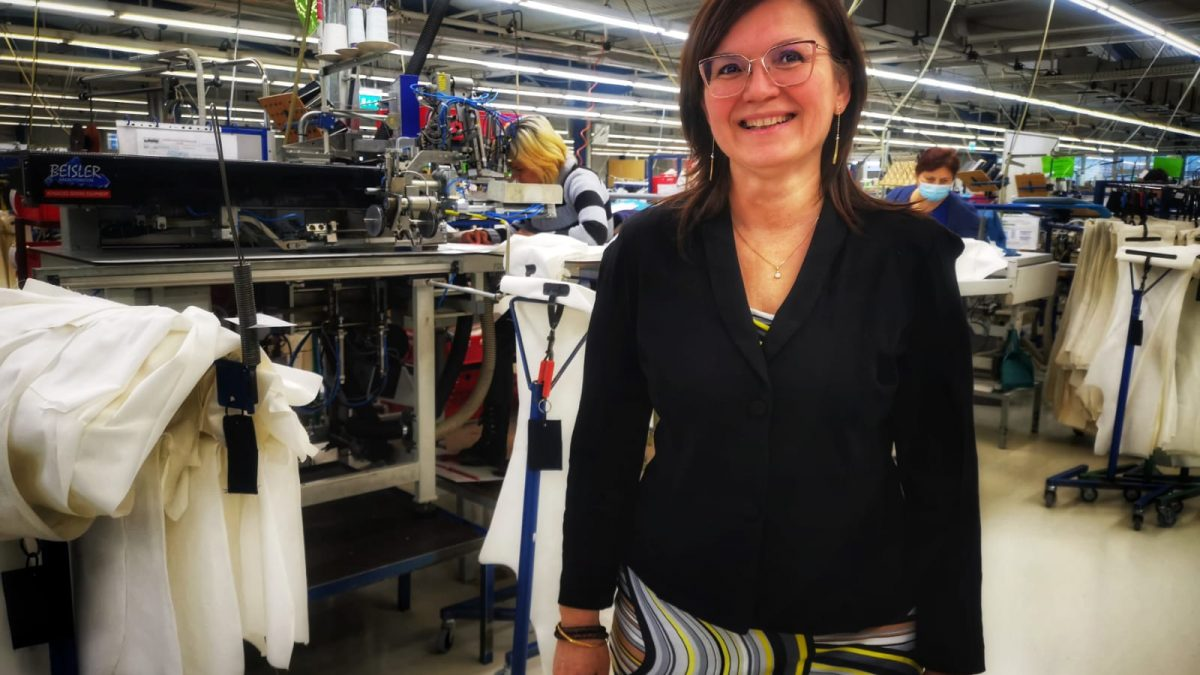Nou director de producție la Transylvanian Trousers Company