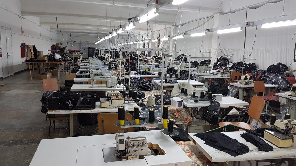 Se caută forță de muncă pentru fabricile de confecții