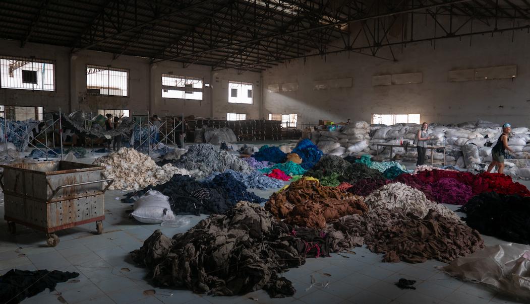 Valorificarea textilelor pre-consum – un vis îndepărtat